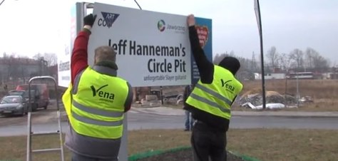 Jeff_Hanneman_traffic_circle